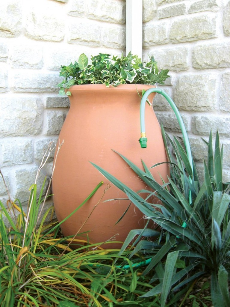 Easy Lightweight Garden Urns